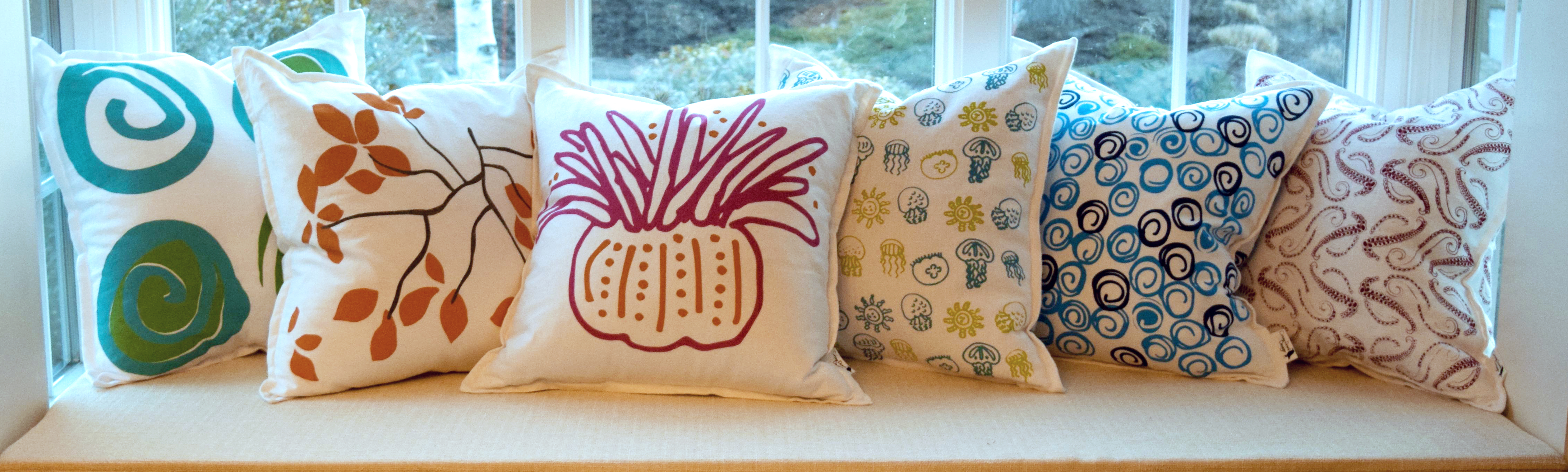 pillows.windowbench3